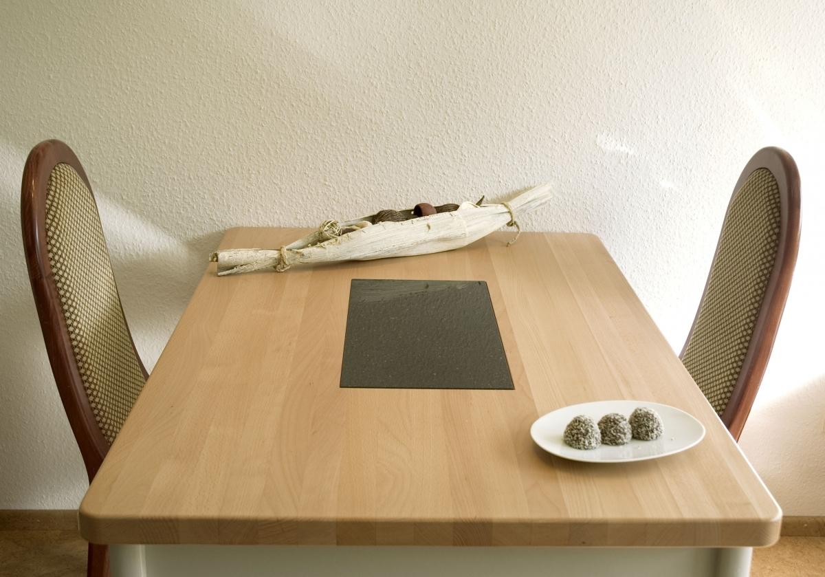 tische natursteine hirneise. Black Bedroom Furniture Sets. Home Design Ideas